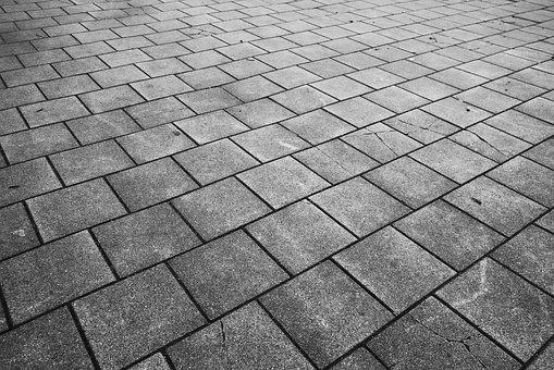 WM ul. Prusa 18-20 – Remont chodnika oraz schodów wejściowych do budynku